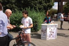 berlin_Sultans_eV_Aepfelverteilen_Voltastr_28_08_2012 (03)