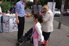berlin_Sultans_eV_Aepfelverteilen_Voltastr_28_08_2012 (06)
