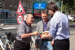 berlin_Sultans_eV_Aepfelverteilen_Voltastr_28_08_2012 (12)